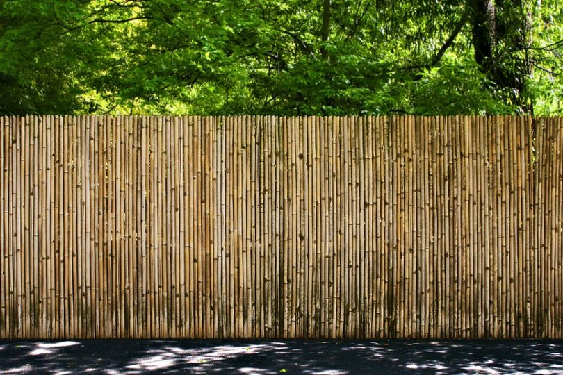 brise vue bambou comment le fixer cloture et portail. Black Bedroom Furniture Sets. Home Design Ideas